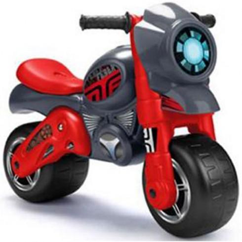 Motocicleta Feber cu casca rosu