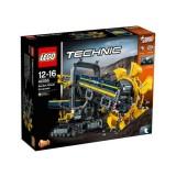 LEGO Tehnic Excavator cu Roata Port Cupe 42055