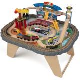 Pista Trenulet KidKraft Transportation Station cu masa de joaca
