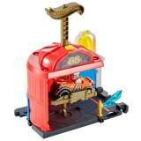 Pista de masini Hot Wheels by Mattel City Downtown Fire Station Spinout cu masinuta {WWWWWproduct_manufacturerWWWWW}ZZZZZ]