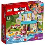 LEGO Juniors Casa lui Stephanie de Langa Lac 10763
