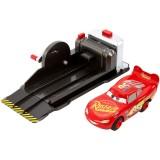 Masina Disney Cars by Mattel Fulger McQueen cu lansator {WWWWWproduct_manufacturerWWWWW}ZZZZZ]